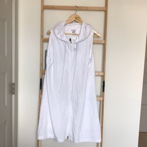 Wearabouts hooded swimsuit coverup